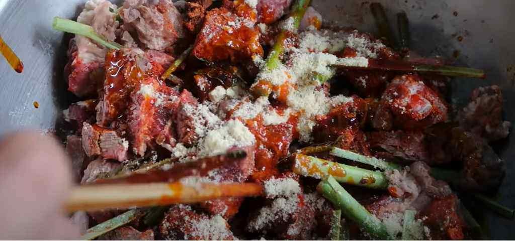 Ướp thịt nấu Bò kho