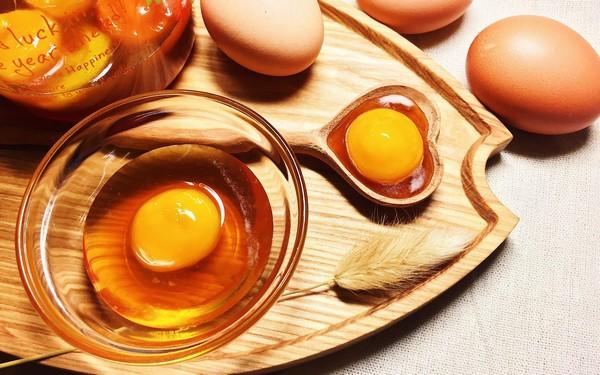 cách ăn trứng gà giúp vòng 1 tăng size quyến rũ